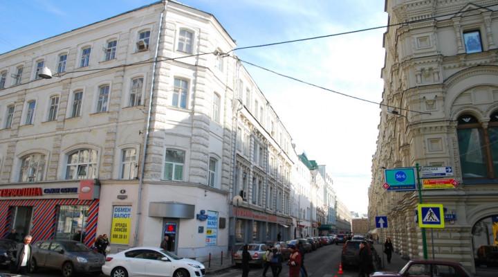 44f6bbb761ad Ставки аренды помещений уличной торговли в Москве перейдут на рубли ...